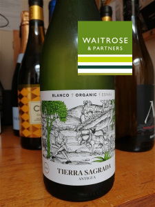 Tierra Sagrada White wine
